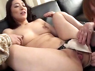 Marina Matsumoto threesome sex in harsh manners..