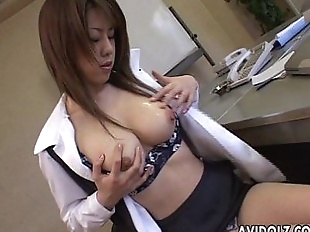 Brunette Asian is toy fucking her wet cunt till..