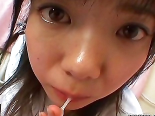 Young japanese teen gives a perfect blowjob and..
